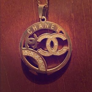 Jewelry - Chanel necklace Gold
